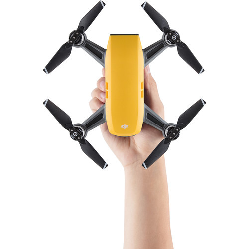DJI Spark (Sunrise Yellow) Fly More Combo Фотография 3
