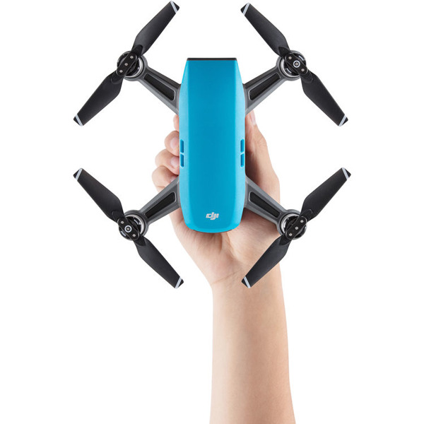 DJI Spark (Sky Blue) Fly More Combo Фотография 2